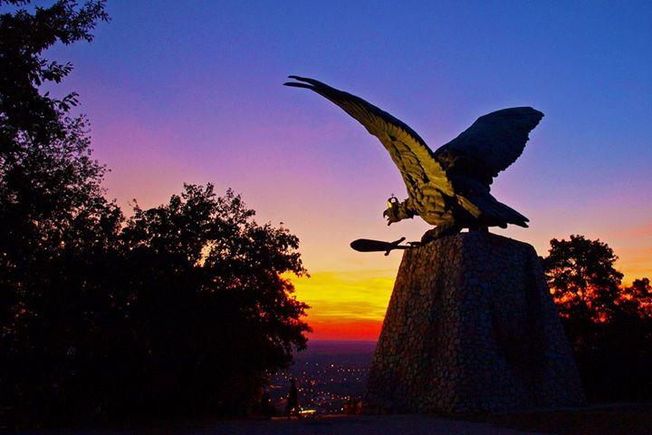 Európa legnagyobb madár szobra: A tatabányai Turul