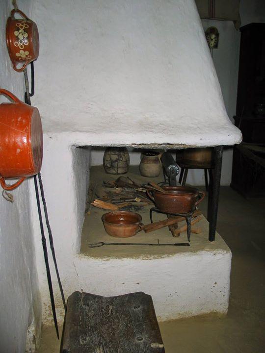 Népi lakóházak sütő-főző-fűtő berendezései