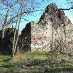 Kerekikáli templomrom és földvár