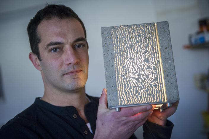 Átlátni a falon – Losonczi Áron és az üvegbeton
